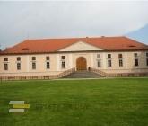 Zámek Štěkeň (kousek mimo trasu)