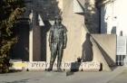 Štefánikova socha před hvězdárnou