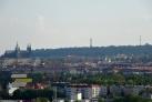 Pohled na centrum s Pražským hradem a Petřínem v pozadí